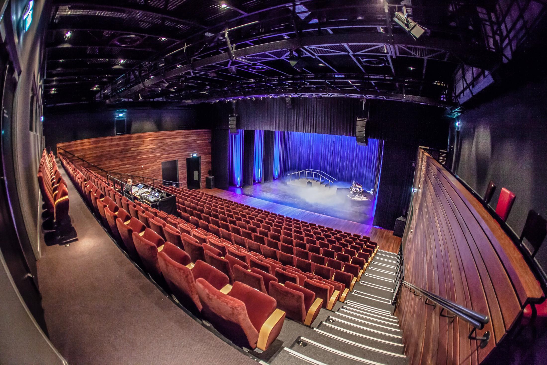 Grote zaal, Rabocultuurzaal Deurne. Cultuurcentrum Deurne